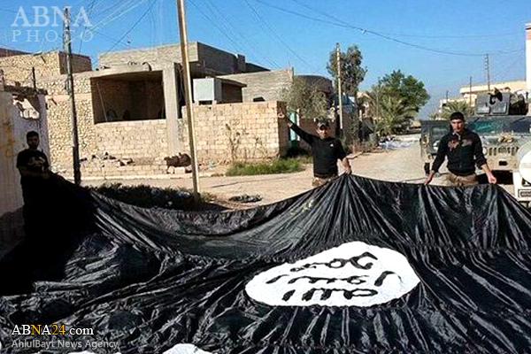 بزرگترین پرچم داعش سرنگون شد+عکس