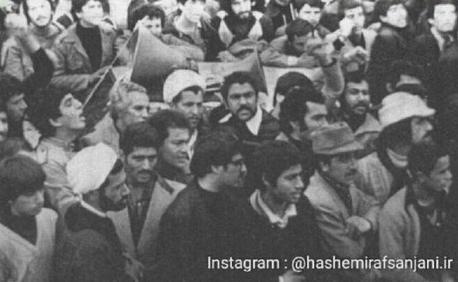 عکس/رفسنجانی بدون محافظ در راهپیمایی
