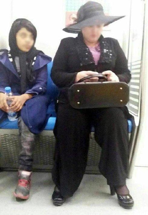 عکس جنجالی از حجاب این زن در متروی تهران!!