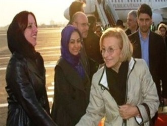 آیا مهماندار بیحجاب پوتین قوانین ایران را نقض کرد؟
