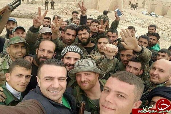 سلفی جالب مدافعان حرم در سوریه +عکس