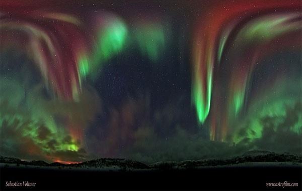 عکس خارقالعاده از شفق قطبی در نروژ