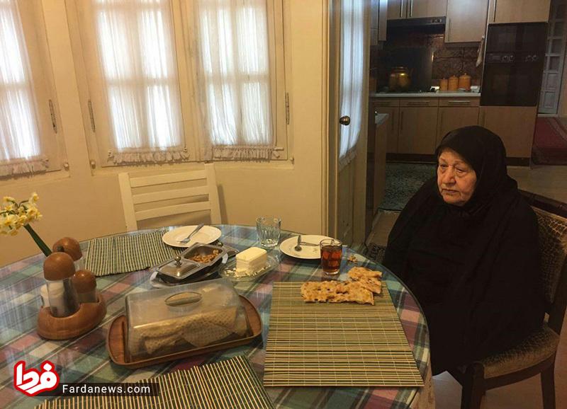 عکس/ اولین صبحانه عفت مرعشی پس از فوت هاشمی