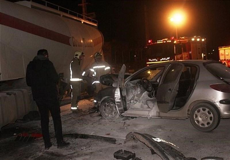 تصادف سه خودرو منجر به سوختن پژو ۲۰۶ شد + تصاویر