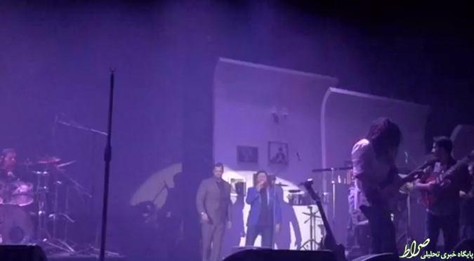 عکس/ اجرای کنسرت خواننده پاپ با محافظ شخصی!