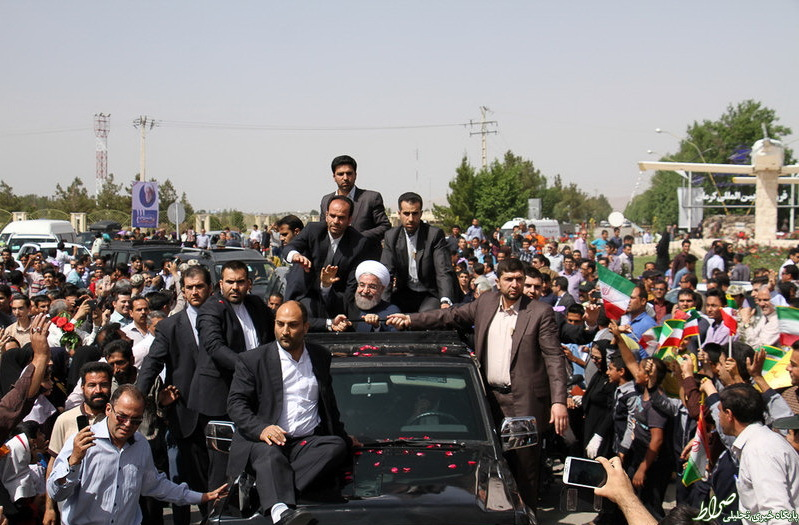 عکس/ تعداد محافظان خودروی روحانی