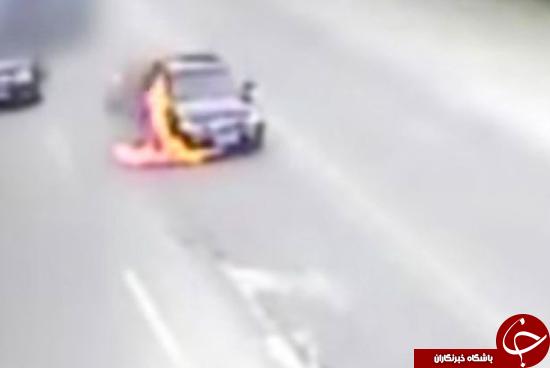 گرمای هوا خودرو را با 3 سرنشین به آتش کشید +تصاویر