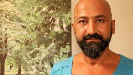 مردی که سمبل ایستادگی مردم ترکیه شد +عکس
