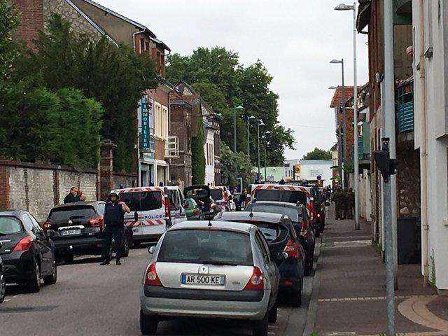 گروگانگیری در کلیسایی در فرانسه