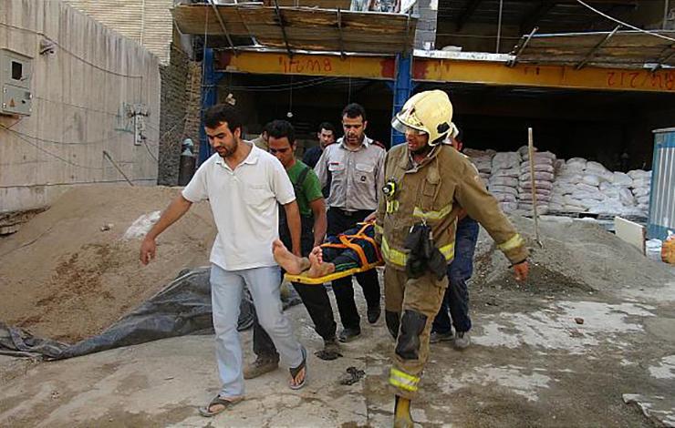 سقوط مرگبار کارگر ساختمانی از داربست+عکس