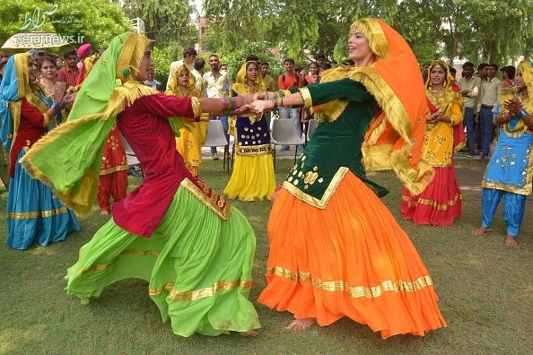 جشن تیج, زنان هندو ,جشن اعلام وفاداری زنان هندو به شوهران ,دختران مجرد هندی