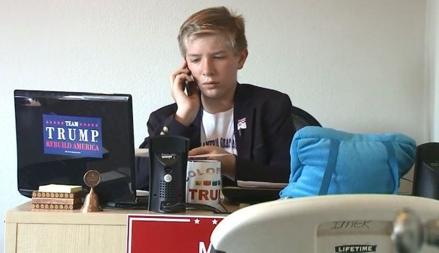پسر 12 ساله مدیر دفاتر انتخاباتی ترامپ شد! +عکس