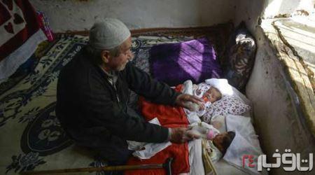 پیرمرد 85 ساله پدر یک دوقلو شد+تصاویر