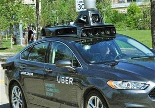 نخستین تاکسی بدون راننده جهان +تصاویر