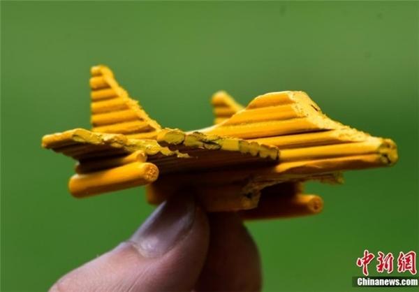 تصاویر/ ساخت ناو هواپیمابر با چوب بامبو!