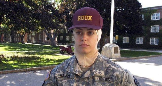دانشجوی محجبه در کالج نظامی آمریکا+عکس