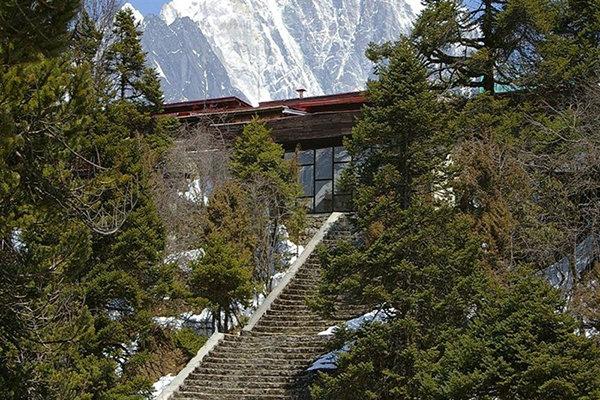 هتلی در بلندترین قله جهان+تصاویر