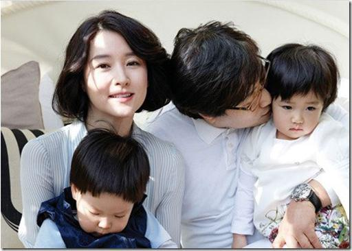 عکس/ بازیگرزن معروف کرهای با دوقلوهایش