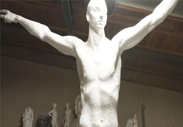 مجسمه نیمه تمام زلاتان در سوئدعکس - 19