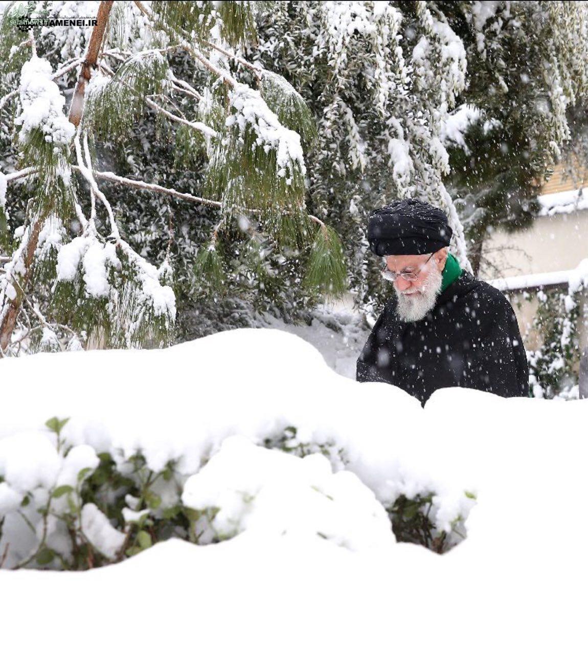 نتیجه تصویری برای رهبر در برف