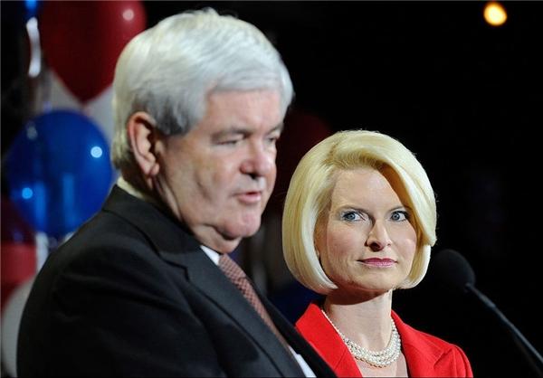 همسر چهره نزدیک به منافقین سفیر پیشنهادی آمریکا در واتیکان شد +عکس