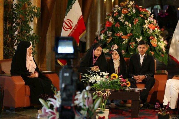 خانواده آمریکایی پس از یک سال حضور در ایران حافظ قرآن شدند +عکس