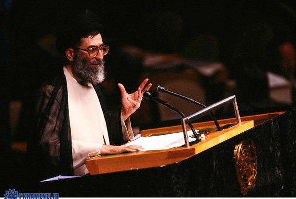 ماجرای نطق اقتدارآمیز رهبری در سازمان ملل متحد+عکس