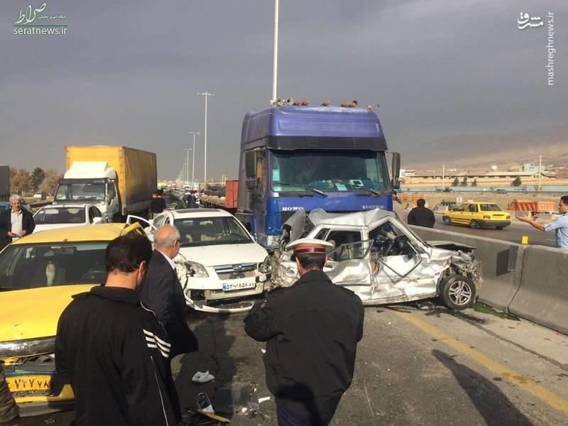 عکس/ تصادف زنجیره ای در اتوبان کرج - قزوین