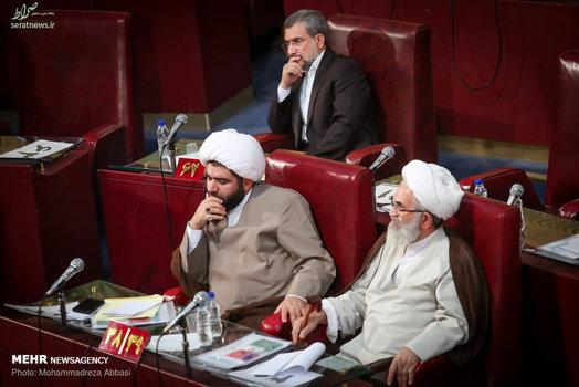 عکس/ تنها عضو کت و شلواری مجلس خبرگان