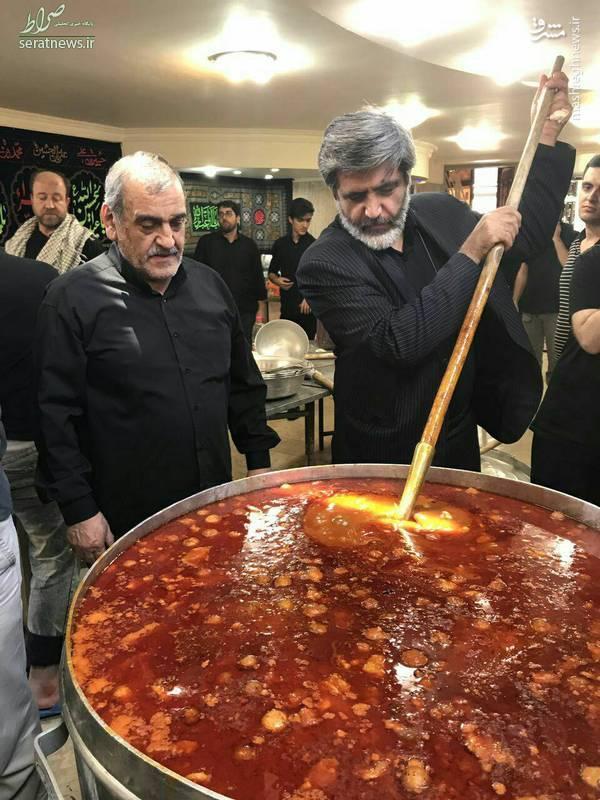 عکس/ مداح مشهور پای دیگ قیمه امام حسین(ع)