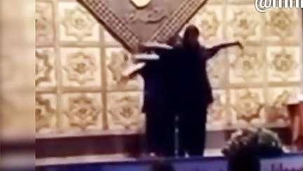 فیلم/ رقص گروهی دختران دانشگاه الزهرا در حضور آقایان!