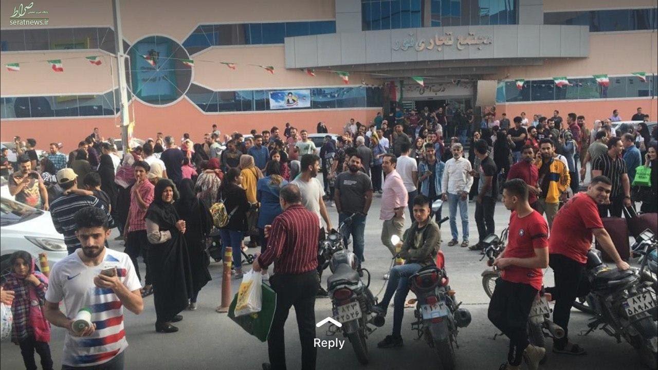 عکس/ مردم وحشتزده بندرعباس در خیابان پس از زلزله شدید!