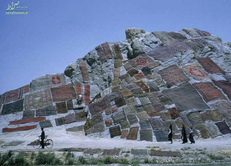 عکس/ کوه پوشیده شده از فرش در تهران