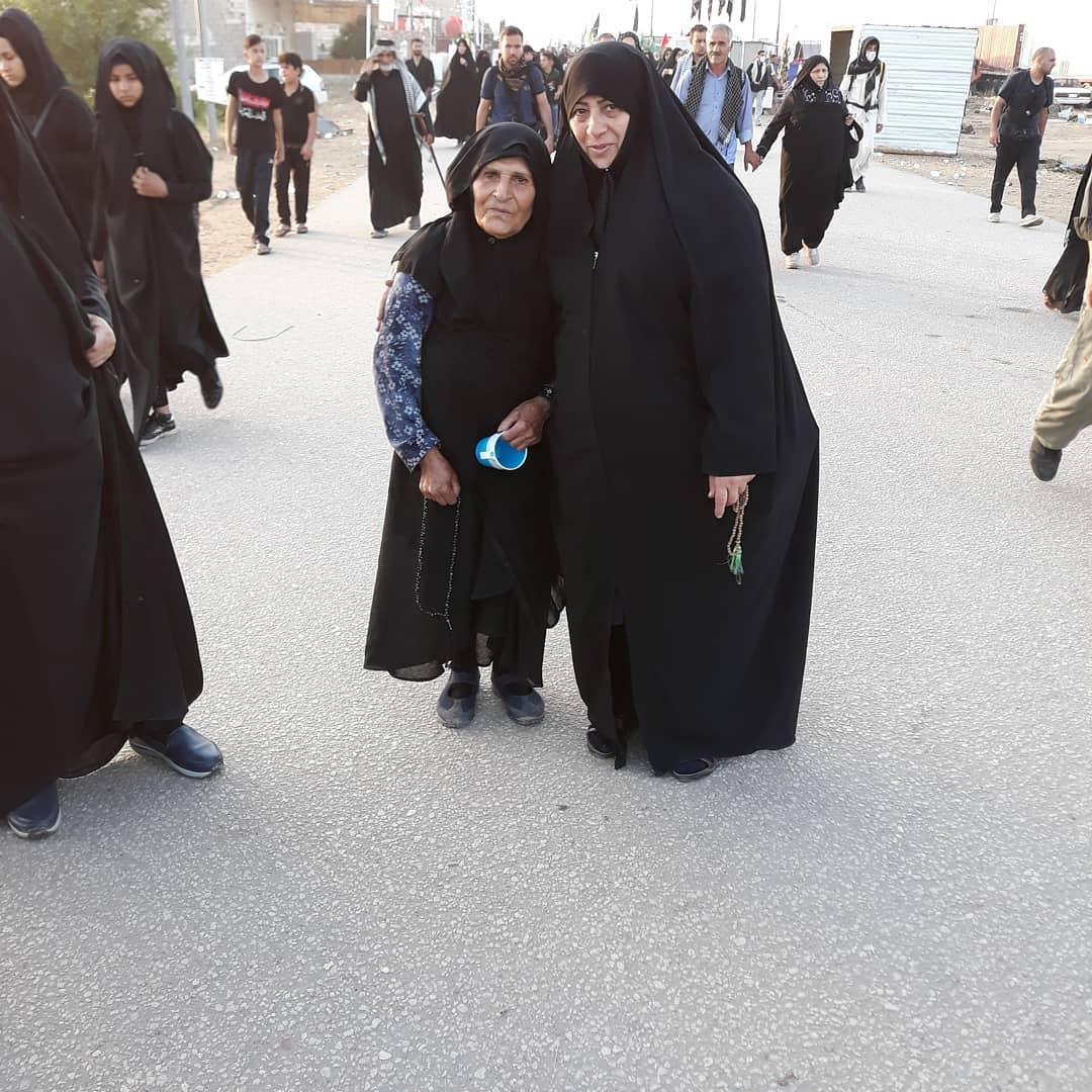 عکس/ خواهر مسیح علینژاد در پیادهروی اربعین