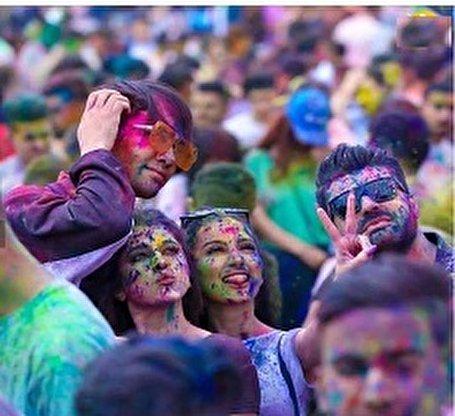 تصاویر/ دختران و پسران سوری در جشن رنگ