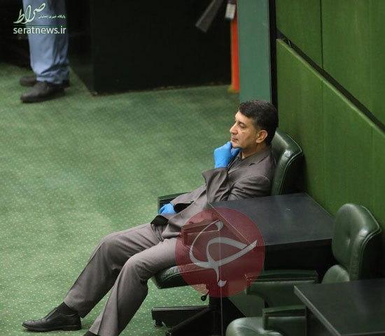 هکس/ نماینده محکوم به حبس در صحن مجلس