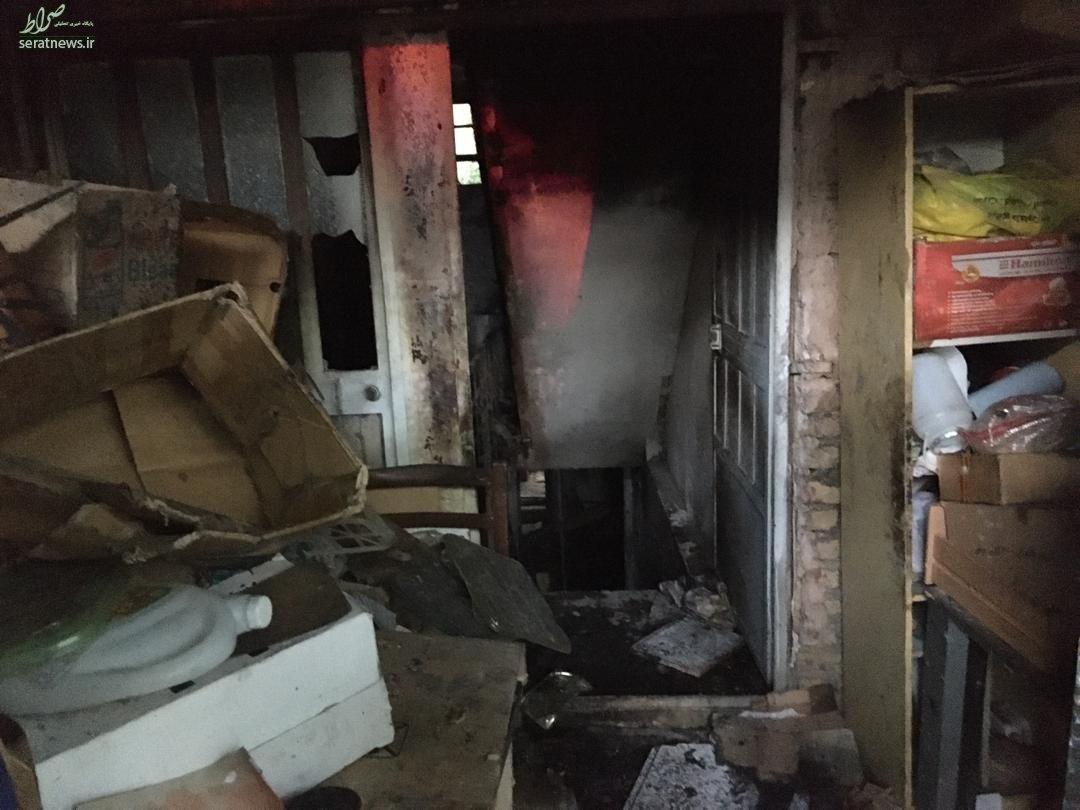 آتش سوزی یک ساختمان قدیمی در خیابان استخر+عکس