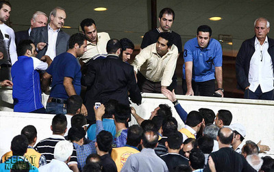 اعتراض فامیل (برادر داماد) قلعه نویی به امیرحسین صادقی به خاطر درگیری لفظی با وی