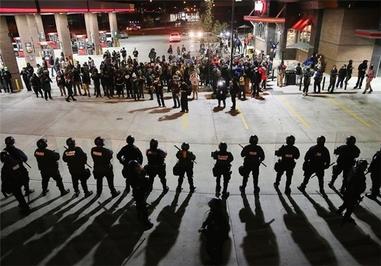 تظاهرات گسترده ضدنژادپرستی در اعتراض به رفتار خشونتبار پلیس با سیاهپوستان در آمریکا