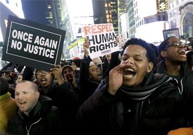 تظاهرات در سراسر آمریکا در اعتراض به رفتارهای نژادپرستی با سیاهپوستان و اقلیتها