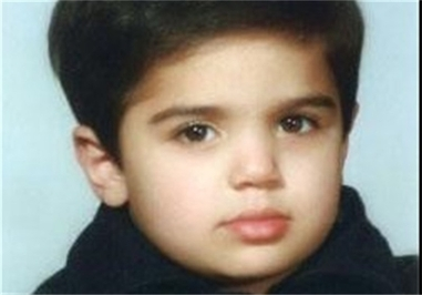 شهید «سید حسین موسوی» فرزند شهید «سید عباس موسوی» دبیرکل سابق حزب الله که به همراه پدر توسط بالگرهای رژیم اسرائیل به شهادت رسید