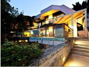 استرالیا: خانه ای مدرن و دارای آب نما، ۳۰ میلیون دلار