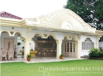 فیلیپین: خانه دارای ۹ اتاق در منطقه مسکونی فوربس در ماکاتی، ۲۲.۵ میلیون دلار