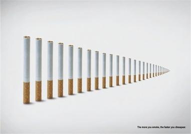سیگار کشیدن باعث سرطان ریه میشود.