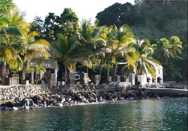 جزیره سنت ونسان - دزدان دریایی کارائیب – جزیره سنت ونسان – این فیلم ساخته گور وربینسکی و راب مارشال است که شامل فیلمهای زیر میشود:  دزدان دریایی کارائیب: نفرین مروارید سیاه  دزدان دریایی کارائیب: صندوق مرد مرده  دزدان دریایی کارائیب: پایان جهان  دزدان دریایی کارائیب: سوار بر امواج ناشناخته