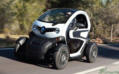 ماشین بعدی، خودرویی برقی است که در انگلیس در دسترس است و یکی از معایب آن نیاز به شارژ برای حرکت و ضد آبی مناسب است. قیمت این ماشین در حدود ۲۶ میلیون و ۵۰۰ هزار تومان است.