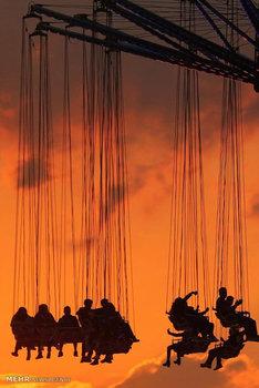 عکاسی ضد نور در شهر بازی آلمان (epa)