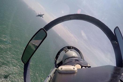 گشت نیروی هوایی چین اطراف دو جزیره در دریای جنوب چین (Xinhua)