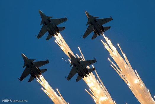 نمایش هوایی در  طول بازی های بین المللی نظامی روسیه (Reuters)