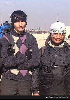 شهید مدافع حرم علی اکبر شهریاری(سمت چپ تصویر)